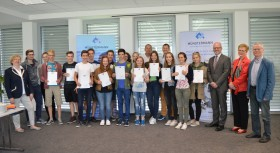 14 Schüler erhalten Business English-Zusatzqualifikation